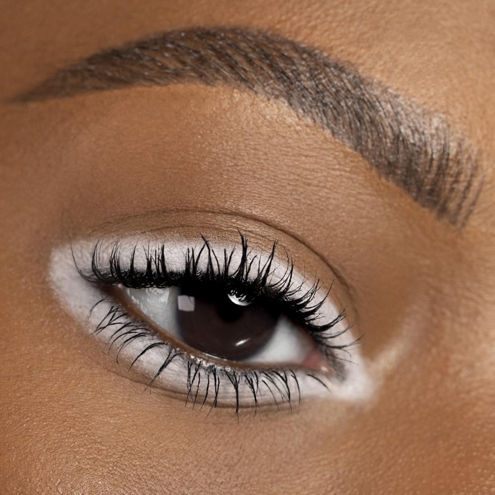 Pure White - AS 100 - eyeshadow we make-up - Medium skin tone