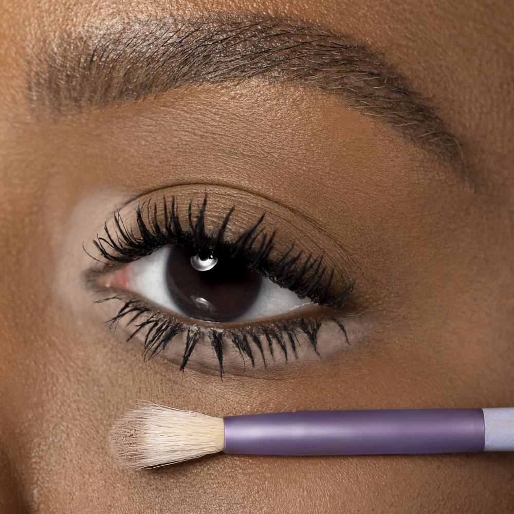 Light Taupe - AS 106 - eyeshadow we make-up - Medium skin tone
