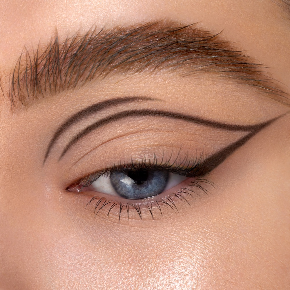 Dark Taupe - AS 107 - eyeshadow we make-up - Fair skin tone
