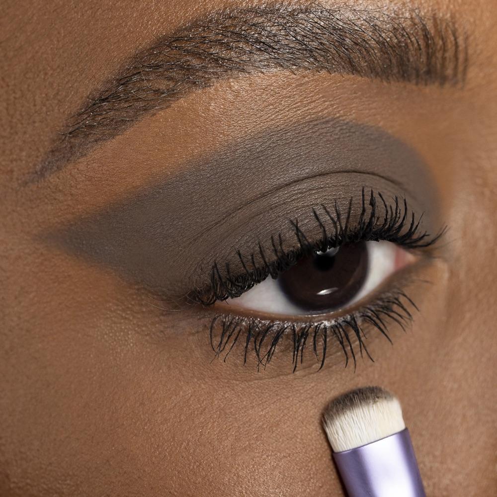 Dark Taupe - AS 107 - eyeshadow we make-up - Medium skin tone