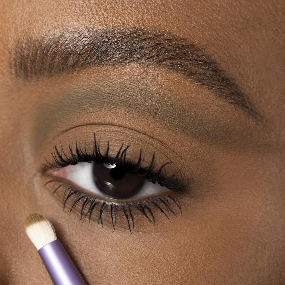 Bronzish Ochra - AS 108 - eyeshadow we make-up - Medium skin tone