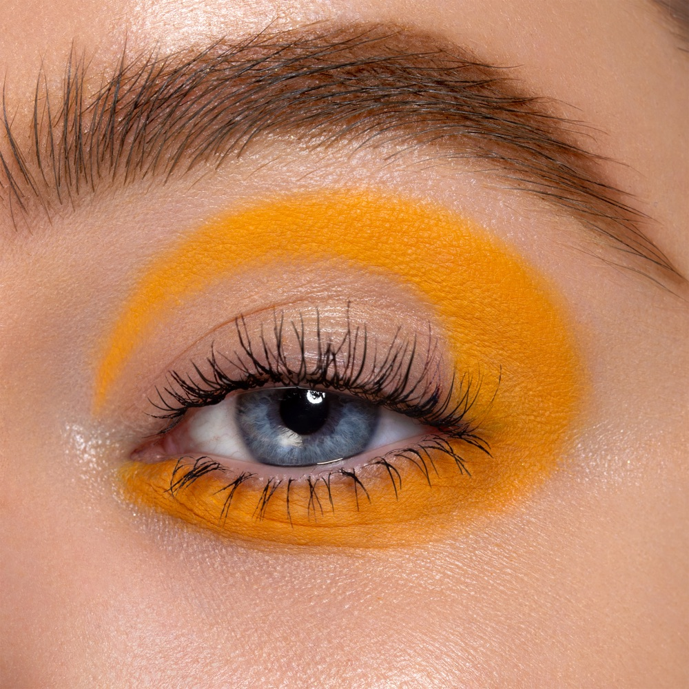 Mustard Yellow - AS 115 - eyeshadow we make-up - Fair skin tone