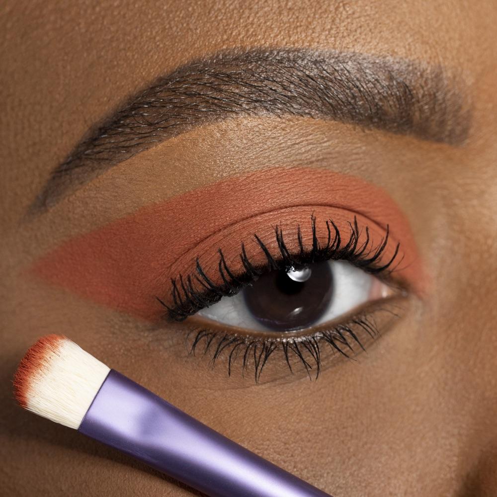 Russet Brown - AS 119 - eyeshadow we make-up - Medium skin tone