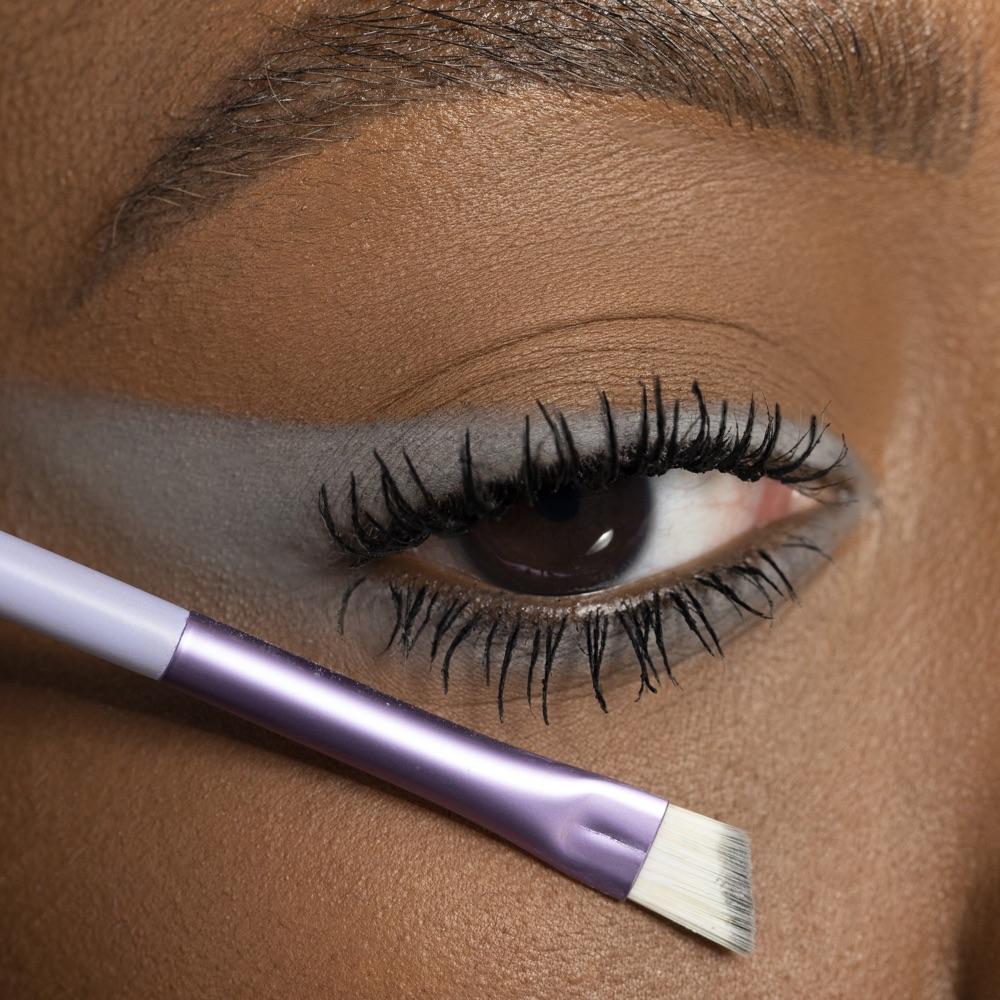 Light Gray - AS 124 - eyeshadow we make-up - Medium skin tone
