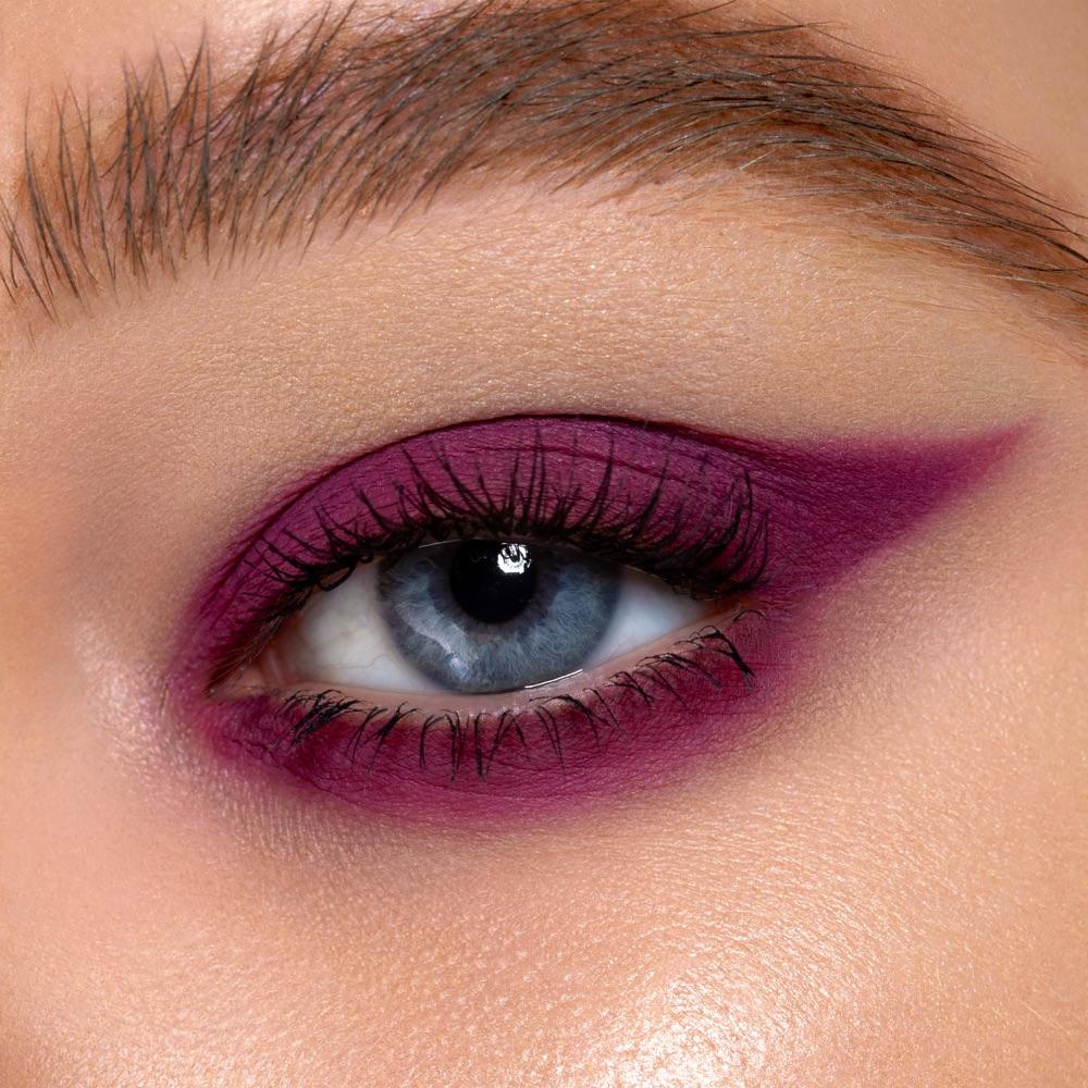Red-violet - AS 131 - eyeshadow we make-up - Fair skin tone