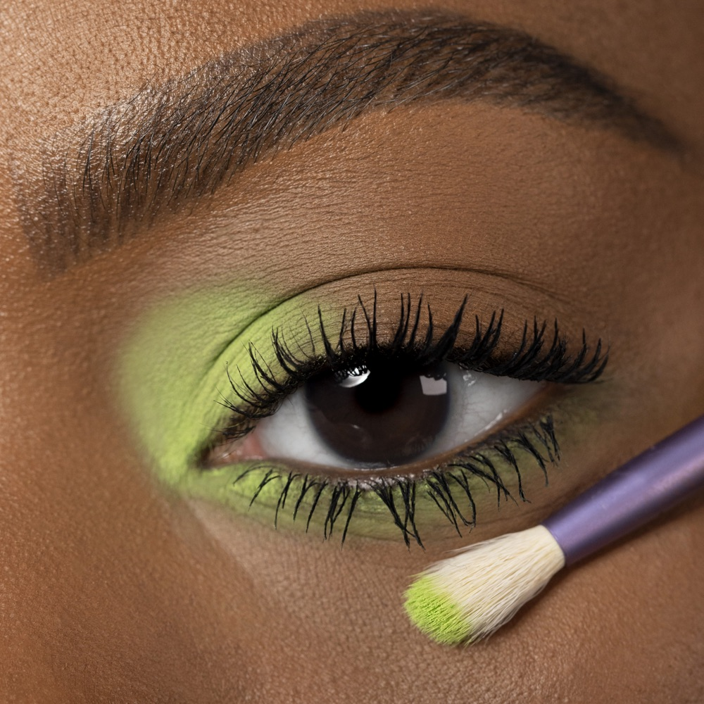 Lime Green - AS 144 - ombretto  we make-up - Carnagione media