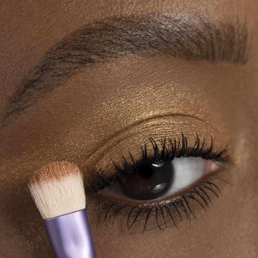 Bronze Gold - AS 202 - eyeshadow we make-up - Medium skin tone