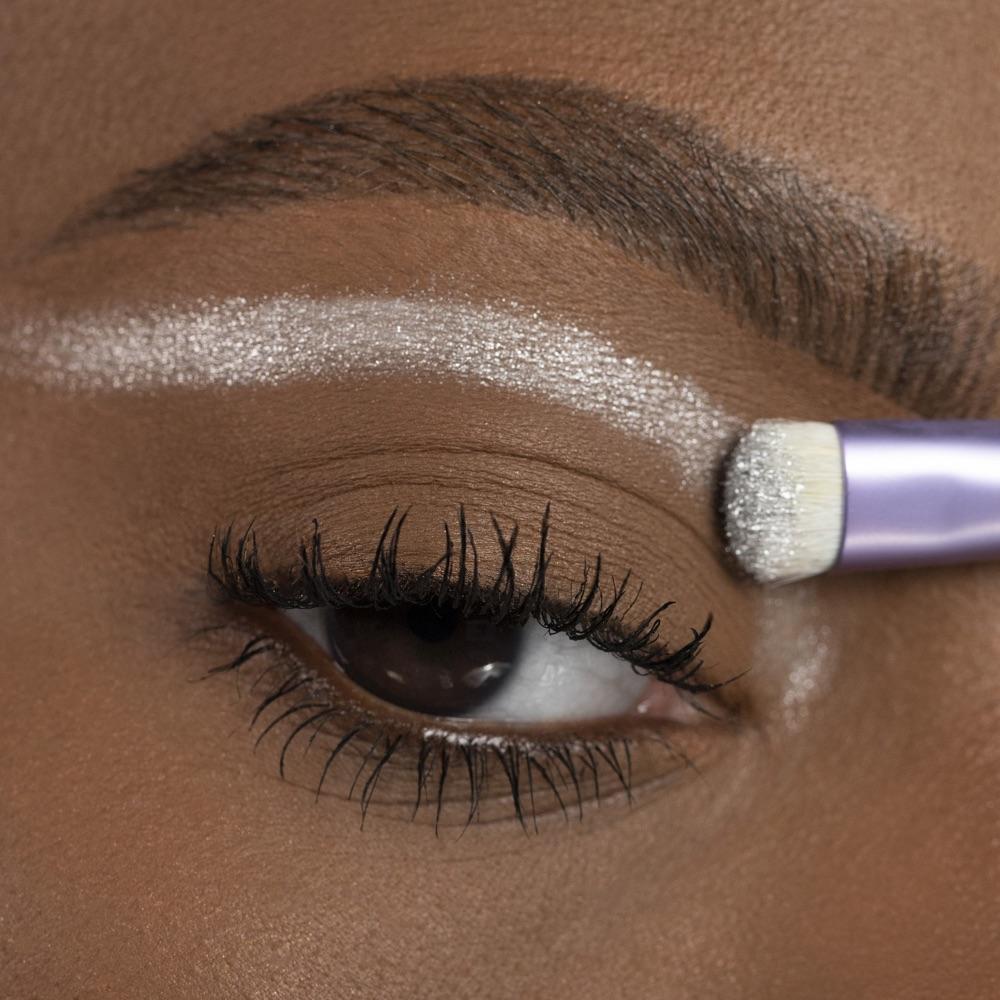 Vivid Silver - AS 305 - ombretto we make-up - Carnagione media