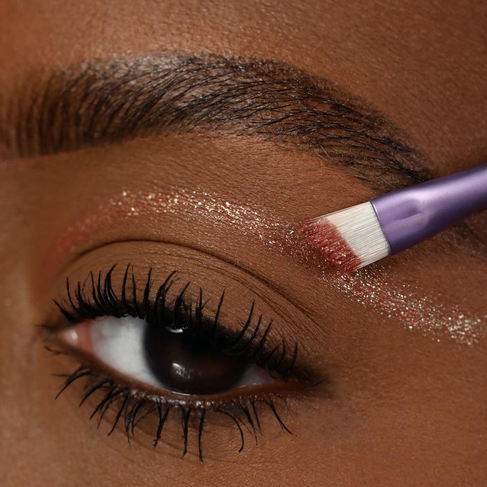 Pearly Rust - AS 402 - eyeshadow we make-up - Medium skin tone