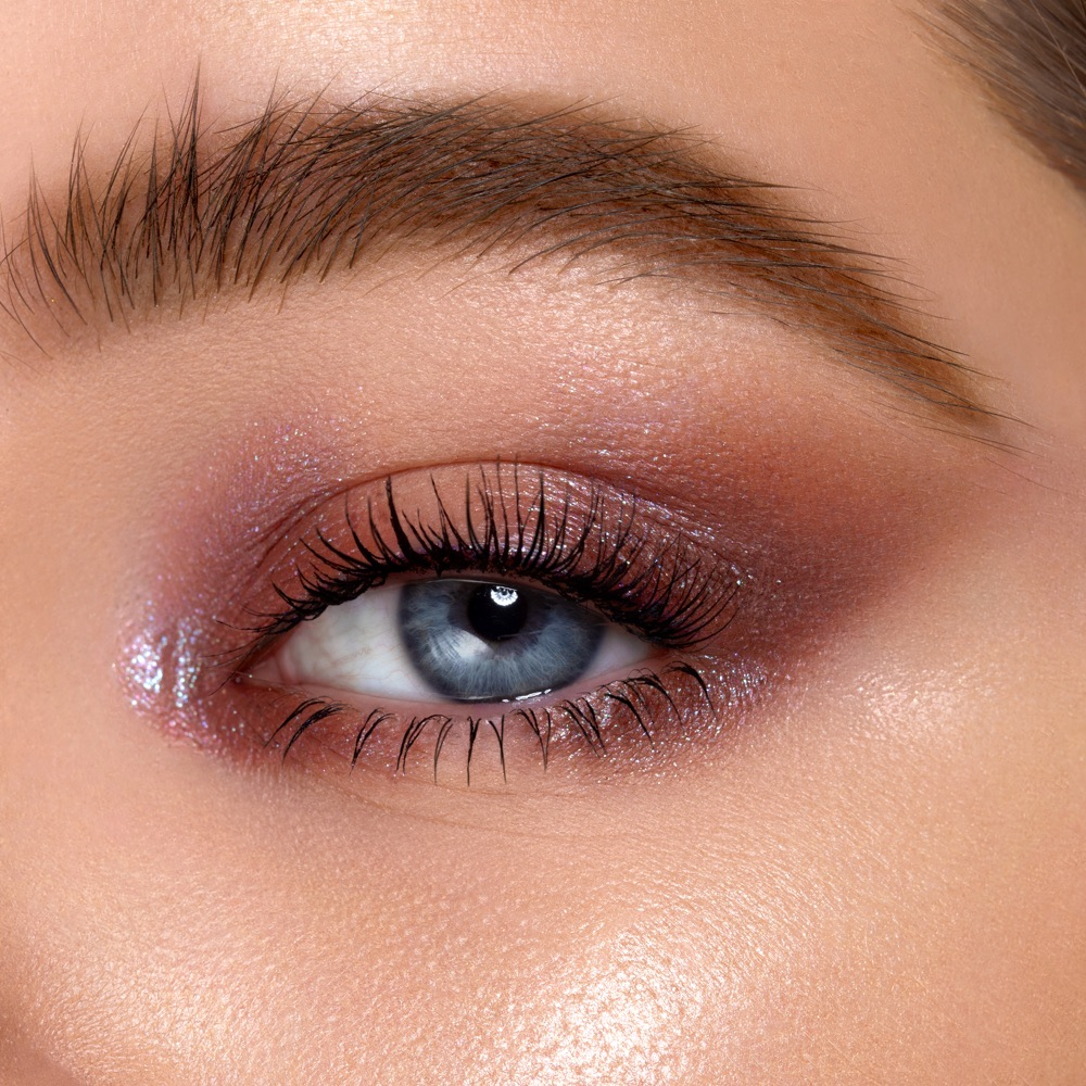 Pinky White - AS 102 - eyeshadow we make-up - Swatch claro