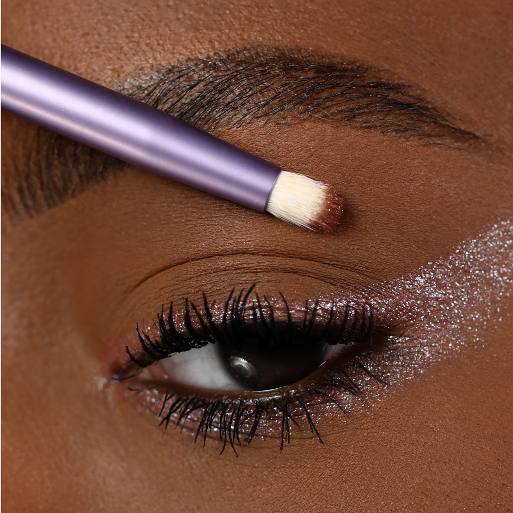 Pinky White - AS 102 - eyeshadow we make-up - Swatch medio