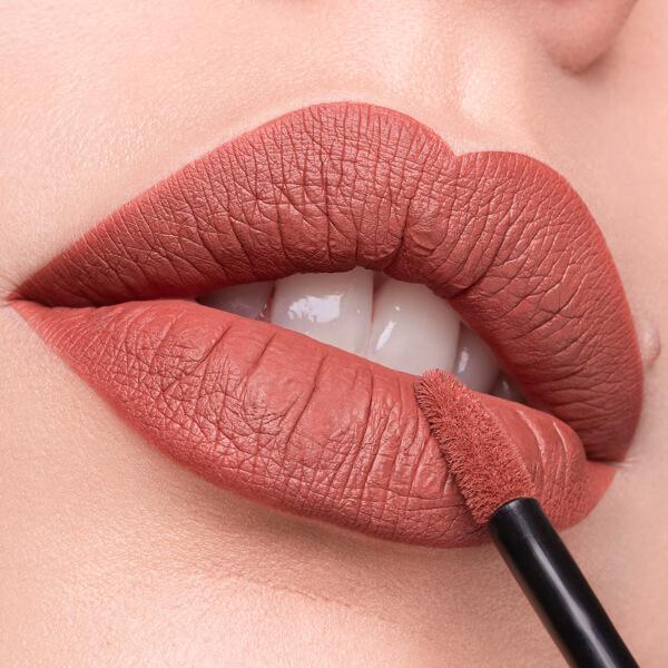 Gordon Brownstone - EVER 05 - liquid lipstick we make-up - Fair skin tone