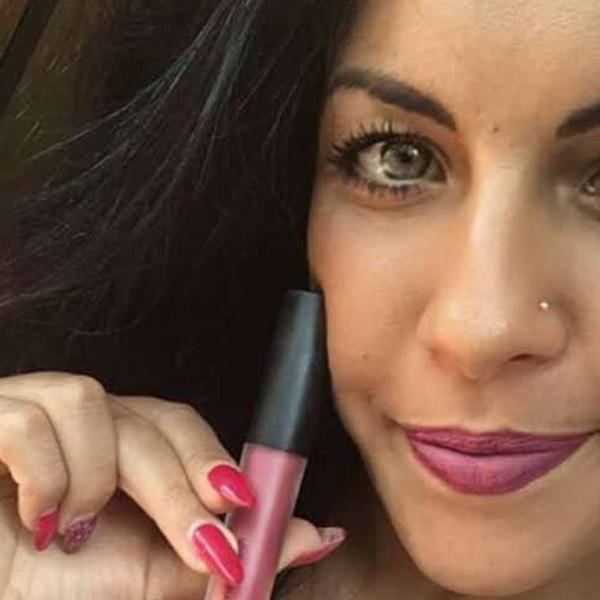 Newberry Carmine - EVER 06 - liquid lipstick we make-up - @anna_buscardo