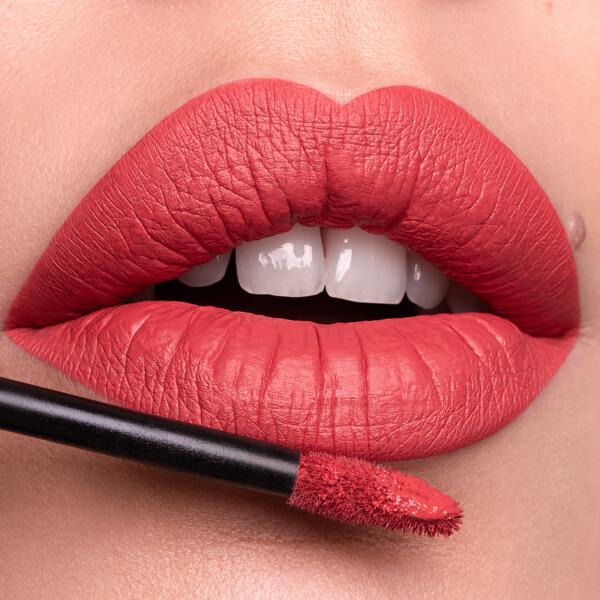 Salina Rose - EVER 20 - liquid lipstick we make-up - Fair skin tone