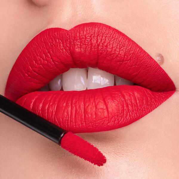 Pacaya Scarlet - EVER 32 - liquid lipstick we make-up - Fair skin tone