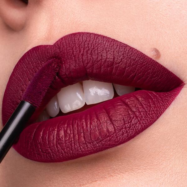 Katla Wine - EVER 34 - liquid lipstick we make-up - Fair skin tone