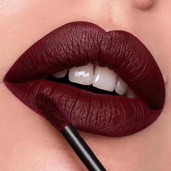 Hekla Barn Red - EVER 41 - liquid lipstick we make-up - Fair skin tone