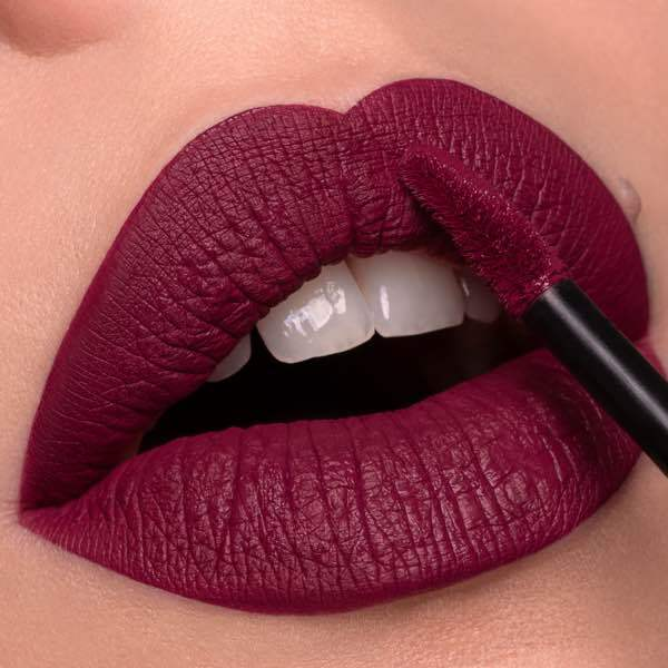 Jefferson Currant - EVER 46 - liquid lipstick we make-up - Fair skin tone