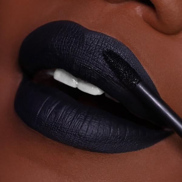 Parker Night - EVER 81 - liquid lipstick we make-up - Dark skin tone