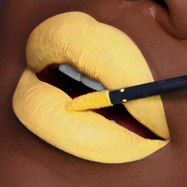 Cuzco Daffodil - EVER 83 - rossetto liquido we make-up - Carnagione scura