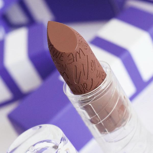 Gordon Brownstone - IF 05 - lipstick we make-up -