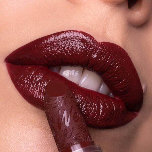 Hekla Barn Red - IF 41 - rossetto we make-up - carnagione chiara